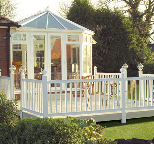 Southern decks garden decking portsmouth havant for Beautiful garden decking